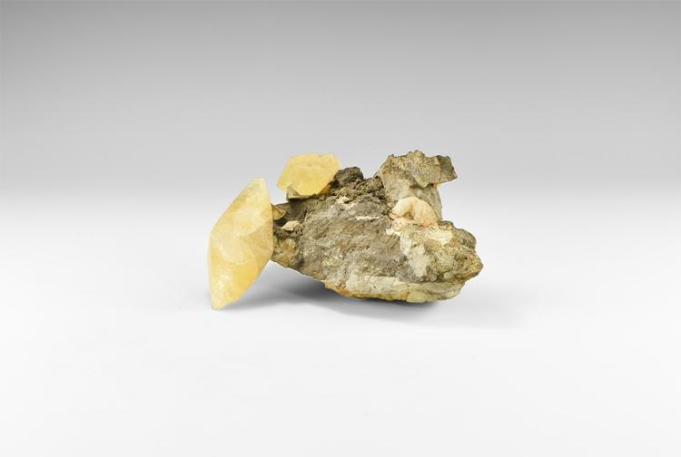 Natural History - Large Museum Quality Calcite Scalenohedra Display Specimen.