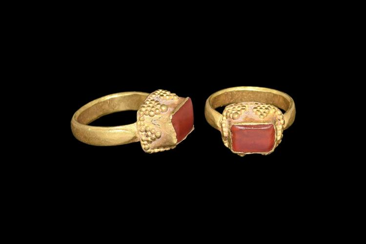 Western Asiatic Gold Ring with Carnelian