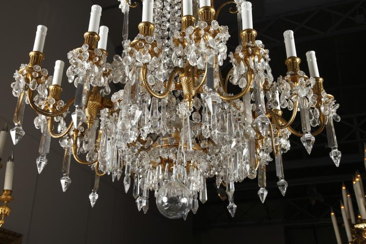 A Magnificent Crystal Chandelier by Baccarat. 1 - A Magnificent Crystal Chandelier By Baccarat