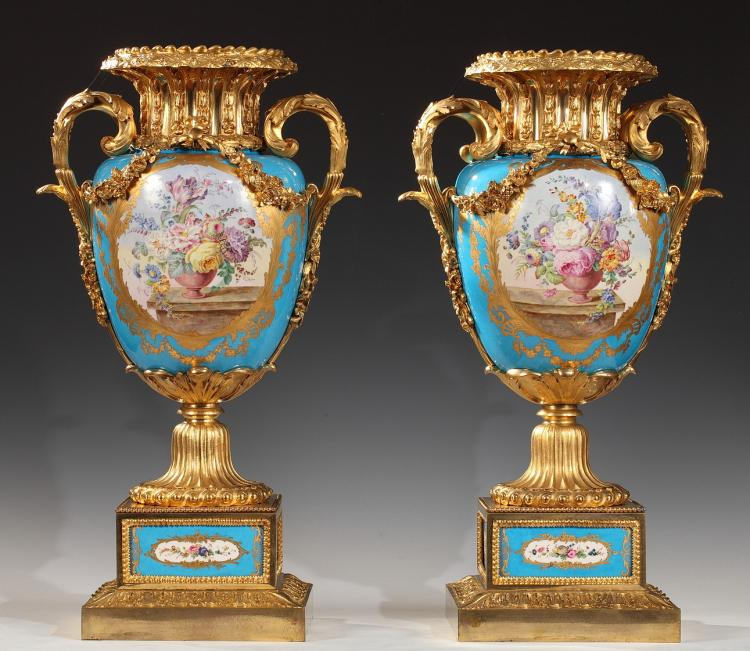 An Exquisite Pair Of Porcelain And Gilded Bronze Louis Xvi S