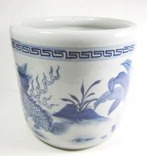 CHINESE BLUE AND WHITE PORCELAIN DRAGON BRUSH POT