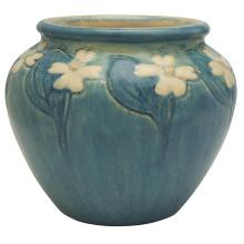 Newcomb College Dogwood vase 4