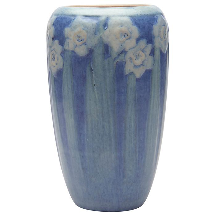 Henrietta Bailey (1874-1950) for Newcomb College Daffodil vase, #236 4