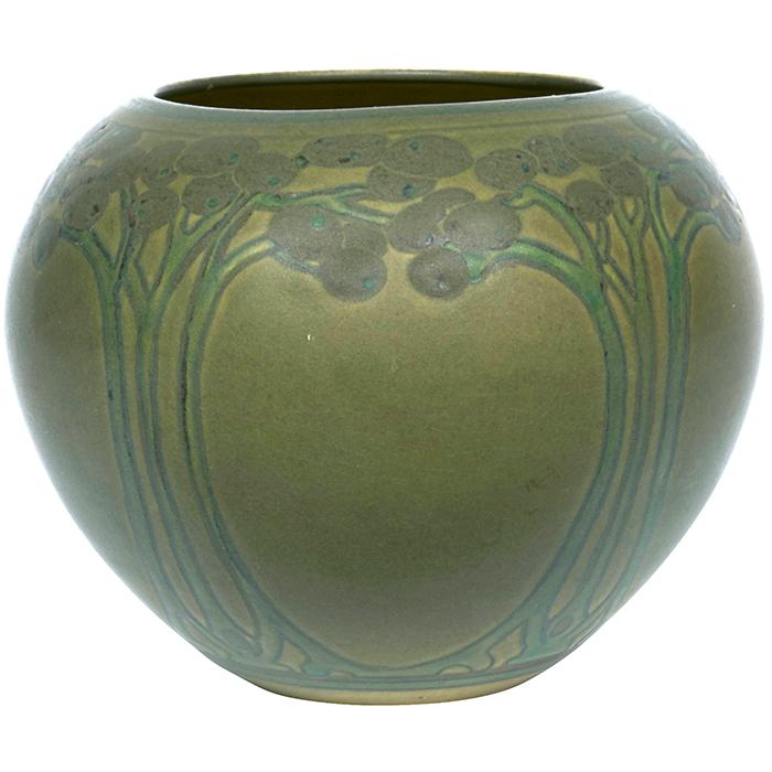 Margaret Cable for North Dakota School of Mines Floral vase, #33 5.5