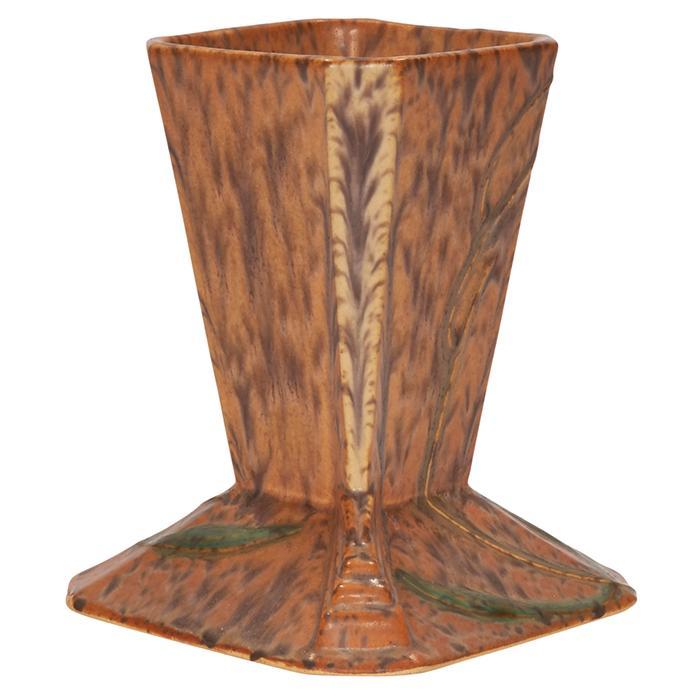 Roseville Pottery Co. Futura vase 4