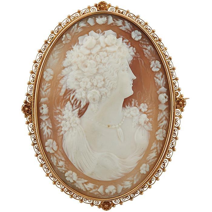 Antique cameo pendant / brooch 1 3/4