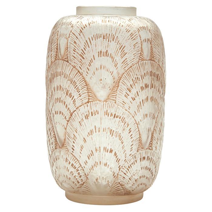 Rene Lalique (1860-1945) Coquilles vase, #932 4.5