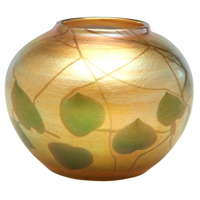 Louis Comfort Tiffany (1848-1933) Leaf and Vine vase, #9640E 3.5