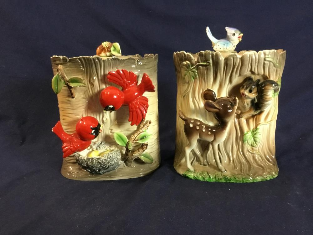"""2 x Vintage Porcelain Cookie Jars Handcraftd In""""Tree Stump Design"""" One With Birds & Nest & A Deer & Squirrel 18.5x17.5cm( 1 Lid Repaired) Refer To Photo"""