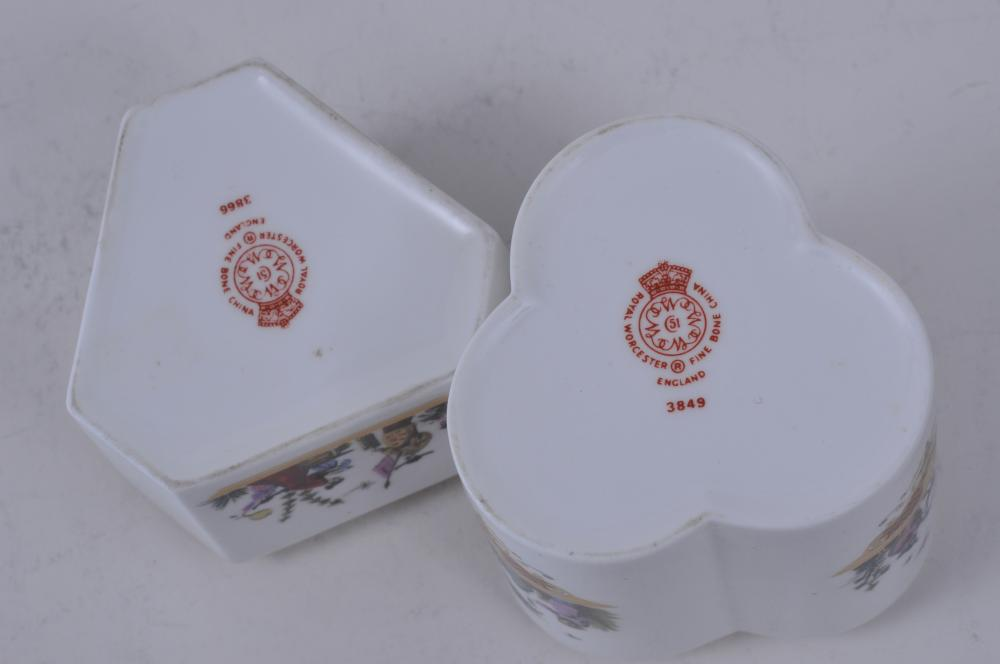 "Lot 89: Two Royal Worcester porcelain covered boxes. Lobed box- 3"" high."