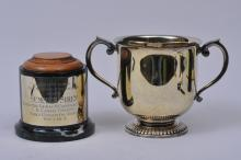 """Lot 260: Tiffany & Co. Makers gilt sterling silver two handled horse racing trophy. """"La Canada Stakes"""". Santa Anita Park. Feb. 8th, 1981. 1 mile and 1/8 won by Summer Siren. Marble base with Tiffany gilt sterling silver plaque. Good condition. 10"""" wide. 6-3/"""