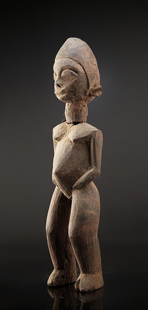 A fagmentary Lobi sculpture