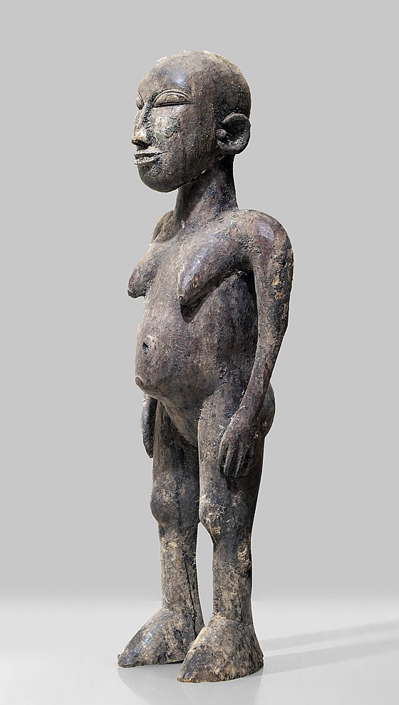 A female Lobi sculpture