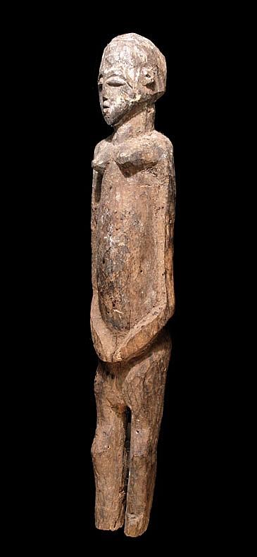 A large, female Lobi sculpture