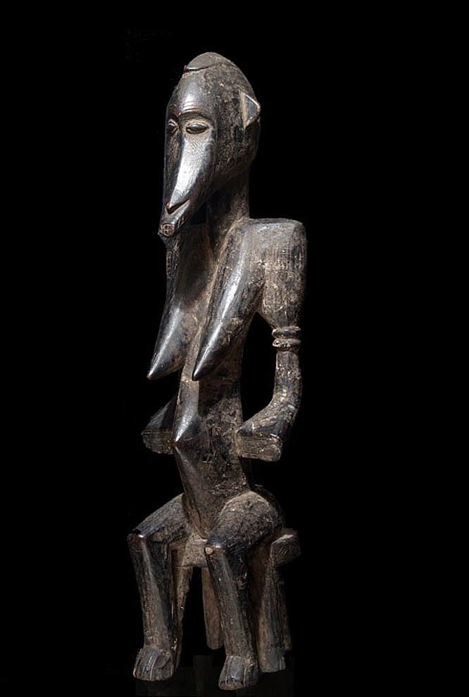 A female Senufo sculpture