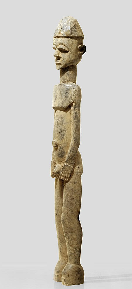 A slender, large Lobi sculpture