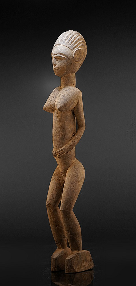 A female Lobi sculpture