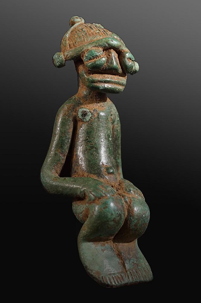 A Kulango bronze with large head