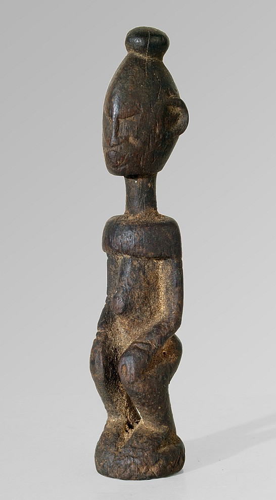 A small Dogon fortune teller sculpture