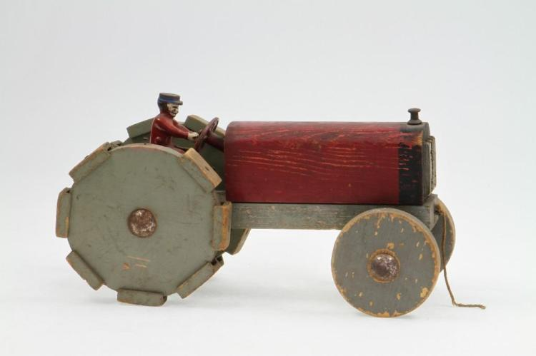 Field Tractor Pull Toy