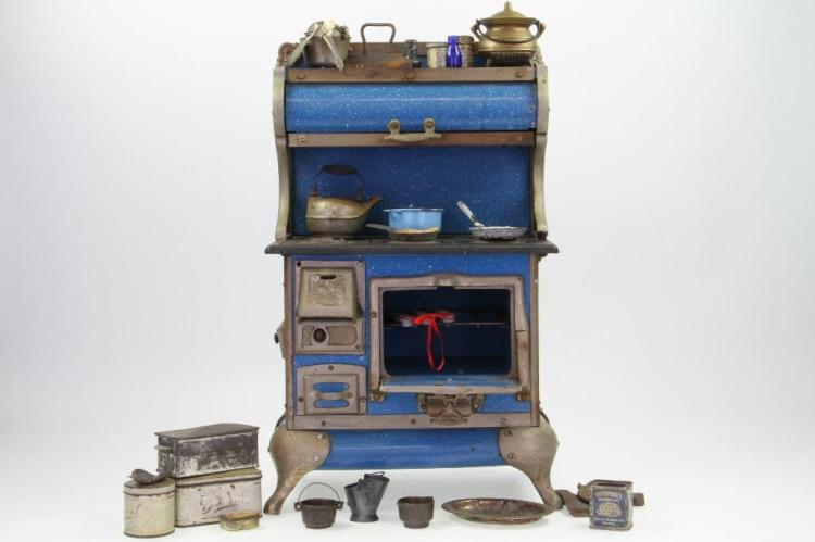 MINIATURE STOVE WITH ACCESSORIES
