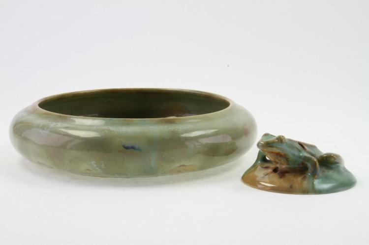 FULPER FLAMBE GLAZED POTTERY LOW BOWL AND A FLOWER FROG