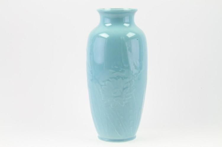 ROOKWOOD POTTERY VASE
