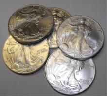Lot of (5) US Silver Eagles R andom Dates