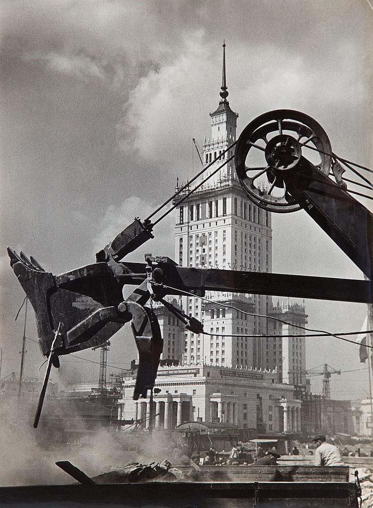 Stefan Arczynski (b. 1916) The Rebuilding of Warsaw, 1957