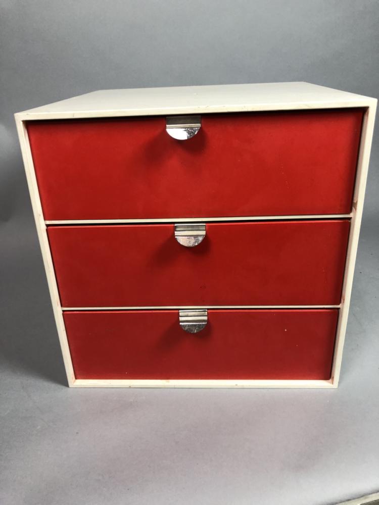 palaset small 3 drawer white cube storage cabinet. Black Bedroom Furniture Sets. Home Design Ideas