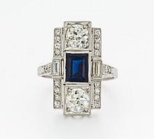 DIAMANT-SAPHIR-RING. England, um 1920.900/-