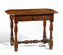 Kleiner Barock Tisch