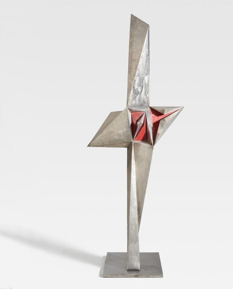 HAASE, VOLKMAR  1930 Berlin - 2012 Brüssow  Sculpture with red core.