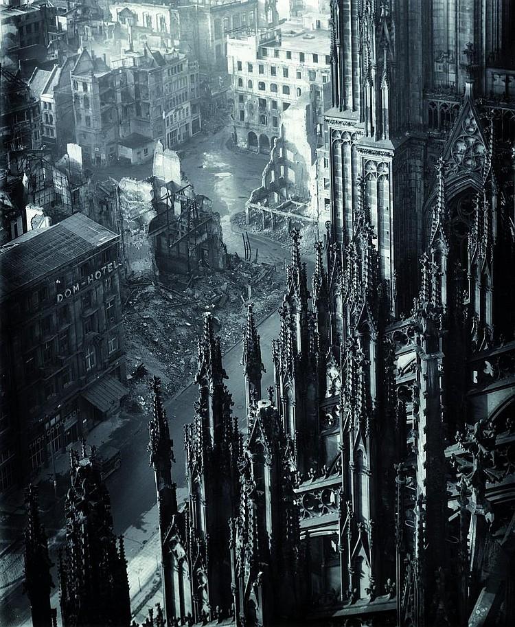 Photographs -  Schmölz, Karl Hugo  1917 Grafertshofen - 1986 Lahnstein     Cologne Cathedral.