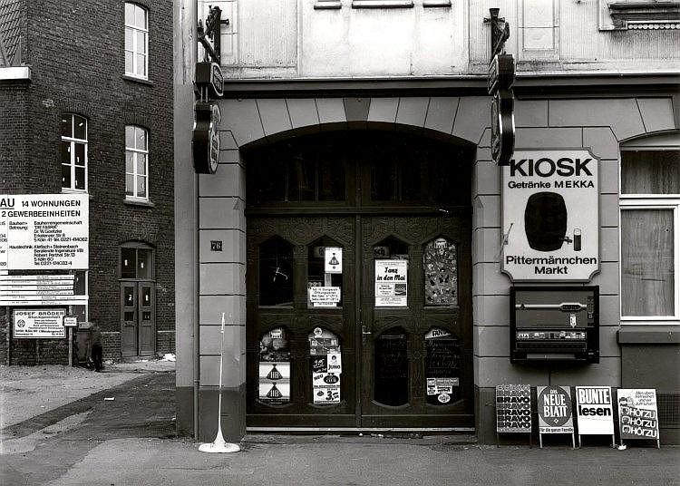 RONKHOLZ, TATA. 1940 Krefeld - 1997 Köln. Ohne Titel (Kiosk K
