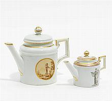 Zwei kleine Klassizismus Teekannen