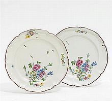 2 Teller mit Blumendekor