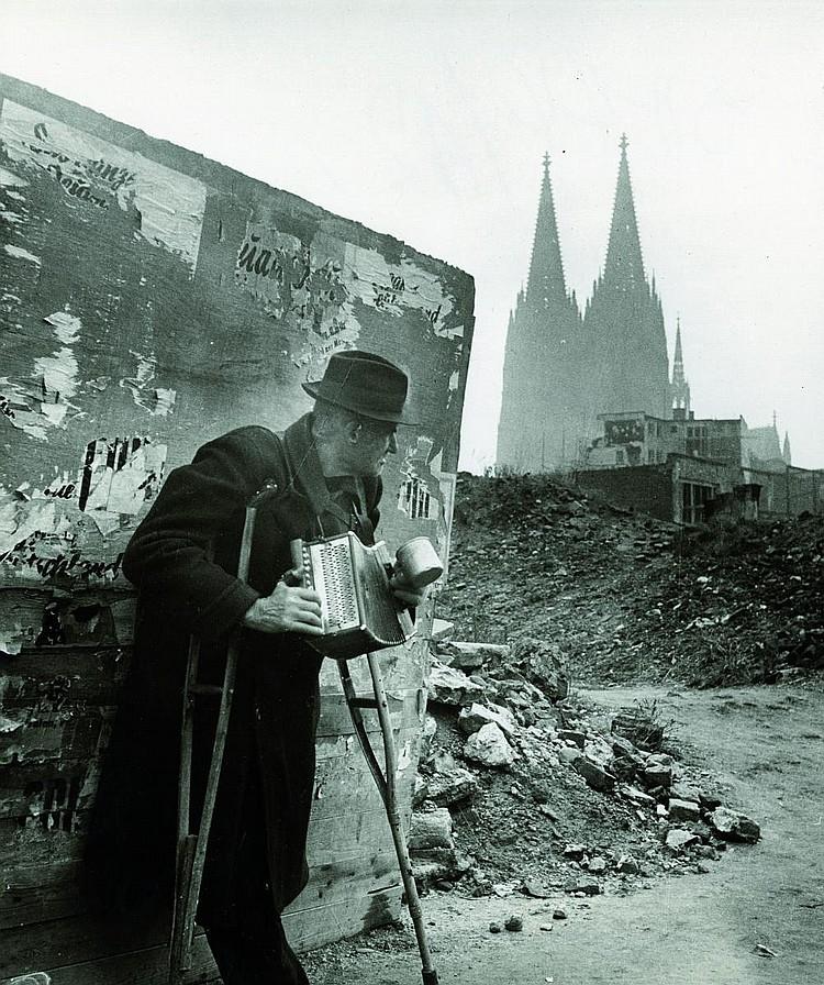 Photographs: Kilian, Hannes 1909 Ludwigshafen -