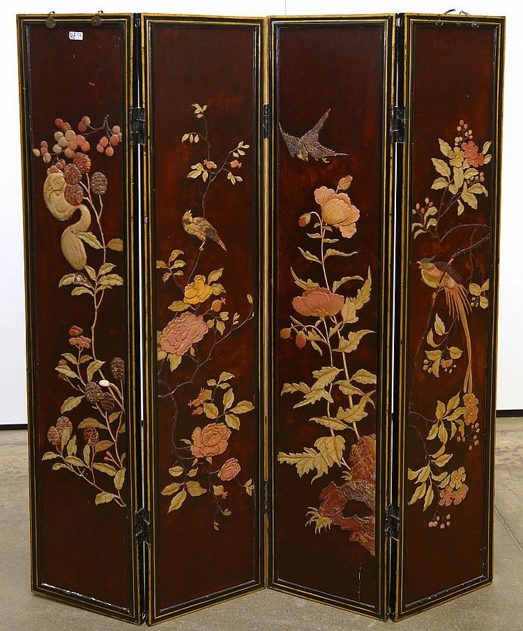 à quatre feuilles en bois laqué décoré, en léger relief, de ~ Feuille De Bois