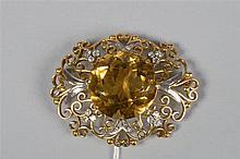 Broche en or jaune 18 carats sertie de diamants ancienne taille pour un tot
