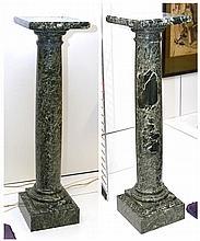 Paire de colonnes en marbre vert mouluré. Epoque : début XXème. (*). Dim.:3