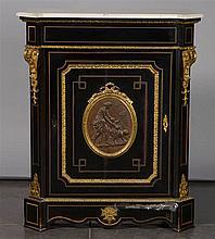 Dresse d'entre-deux de style Napoléon III en placage d'ébène, bois noirci e