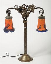 BRANDT Edgar (1880 - 1960), Lampe à poser de style Art Déco en fer forgé à
