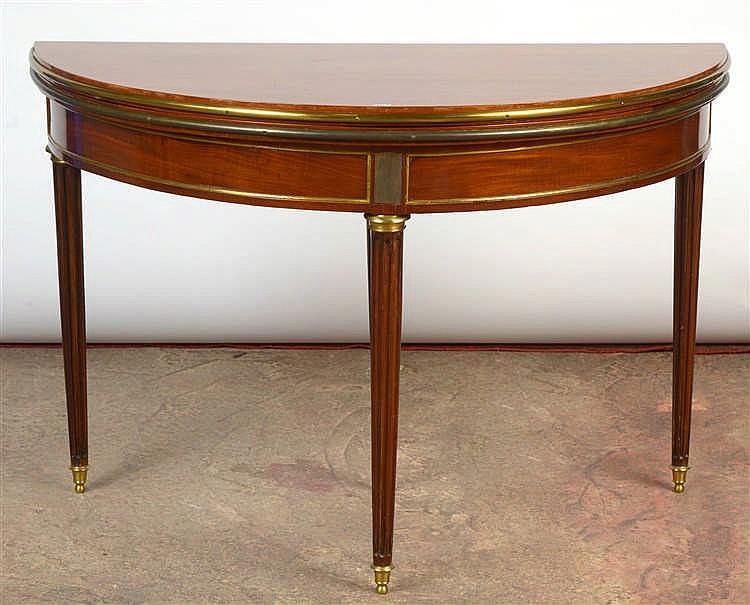 Table ronde portefeuille de style louis xvi en acajou et b - Table ronde style louis philippe ...