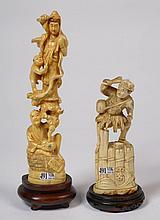 Deux okimonos en ivoire sculpté illustrant