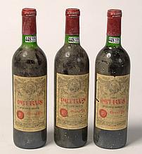 Trois bouteilles Château Petrus, Pomerol, Année 1972, mis en bouteilles au château. (Niveau bas goulot).