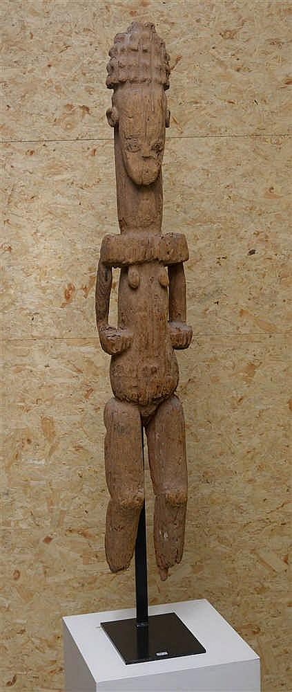 Femme debout ibo en bois sculpt travail du nigeria epoq for Travail du bois flotte