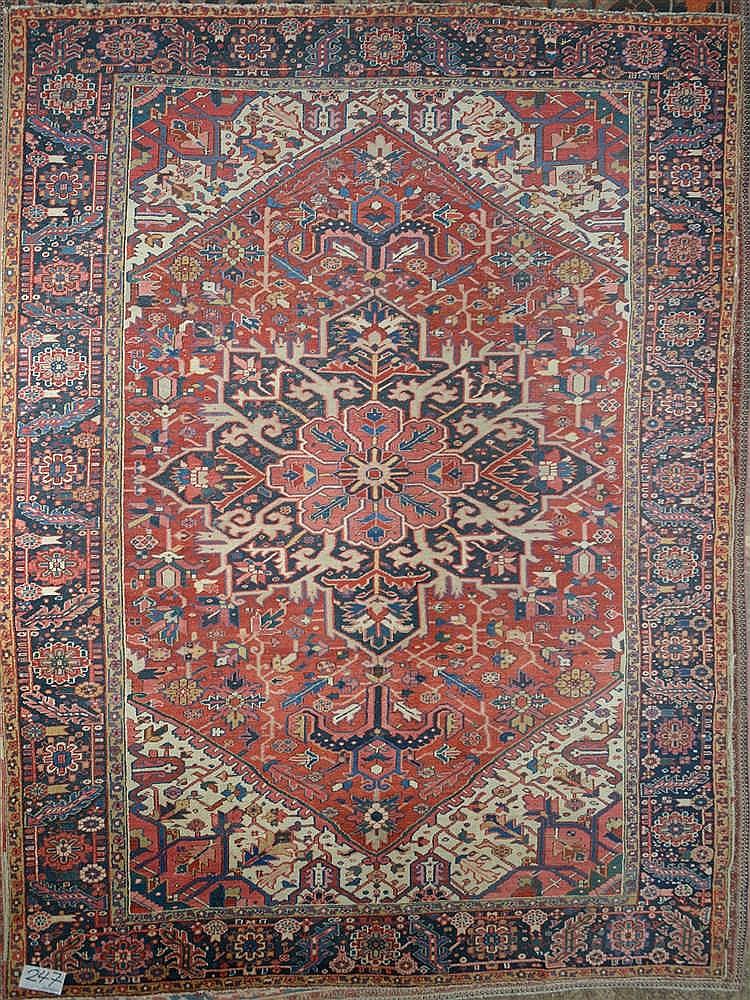 grand tapis h riz ancien m daillon au d cor floral g om tr. Black Bedroom Furniture Sets. Home Design Ideas