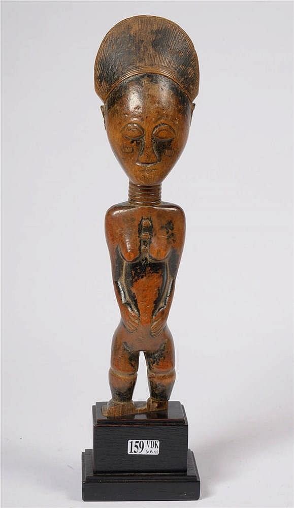 Statuette atti en bois sculpt travail du ghana epoque d for Travail du bois flotte