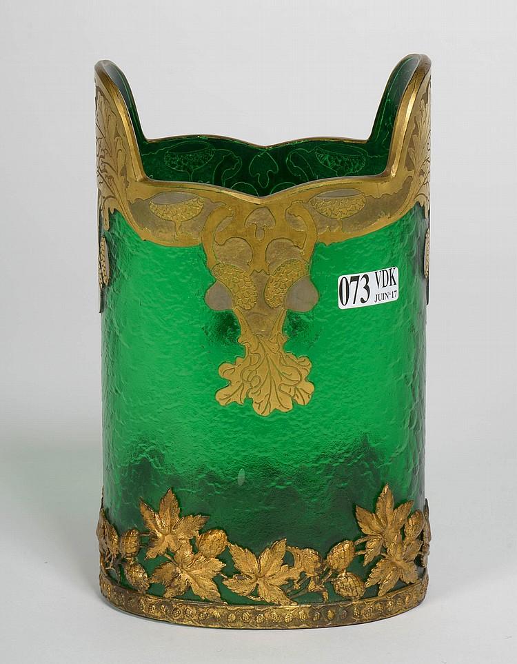 vase en verre vert nil souffl d tour l 39 acide et maill. Black Bedroom Furniture Sets. Home Design Ideas